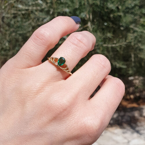 Oval Emerald and Peridot Engagement Ring photo review
